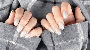 Smalto autunnale, nuances di tendenza per colorare le unghie - consigli.it